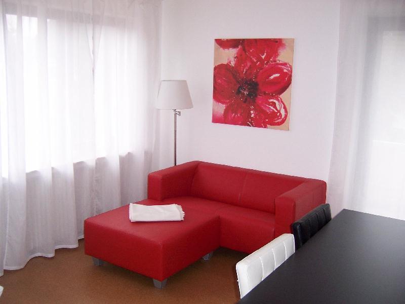 Diese vollmöblierte 1- + 2-Zimmer Wohnungbekommen Sie mit viel Komfort