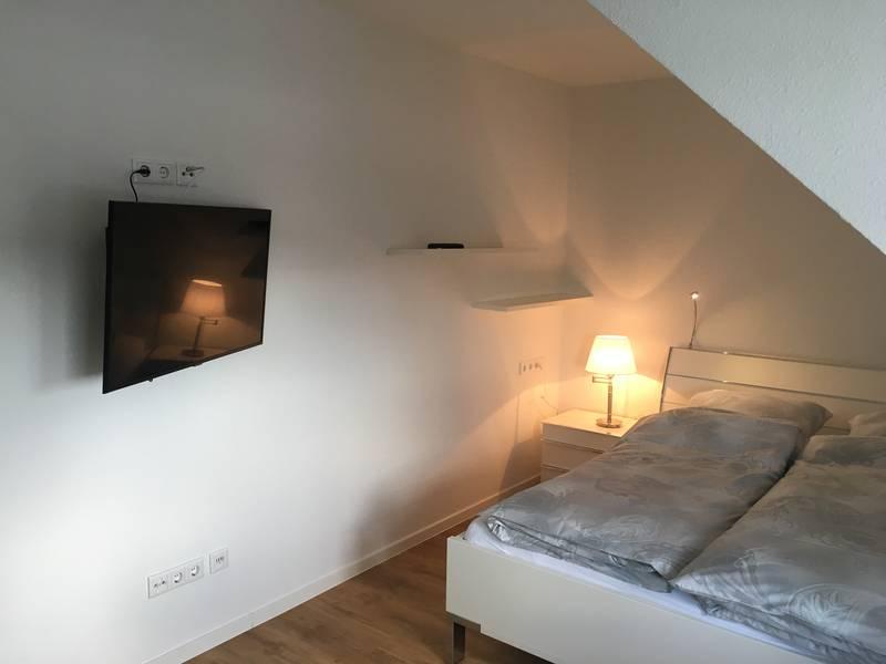 TV sehen aus dem Bett ist möglich